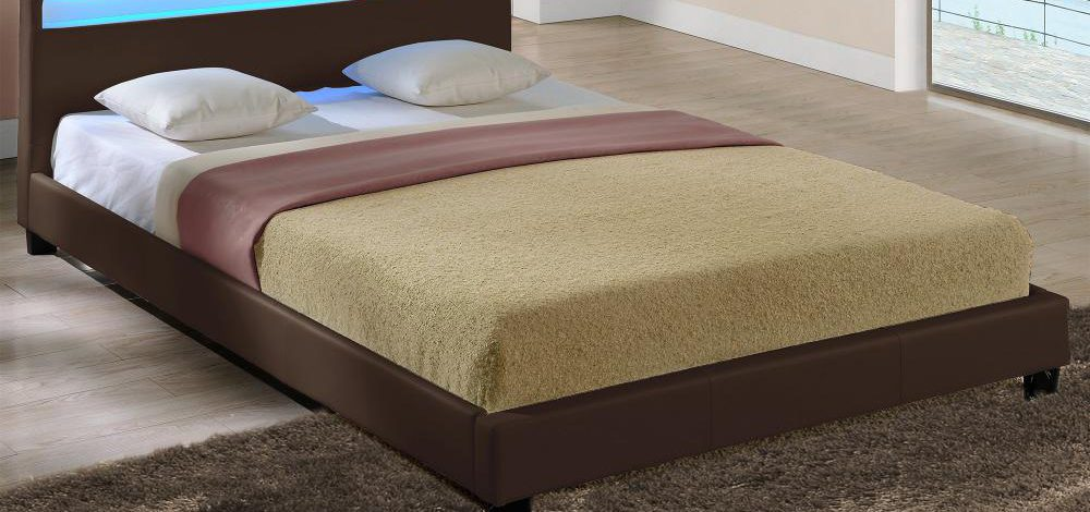 Łóżko do sypialni tapicerowane